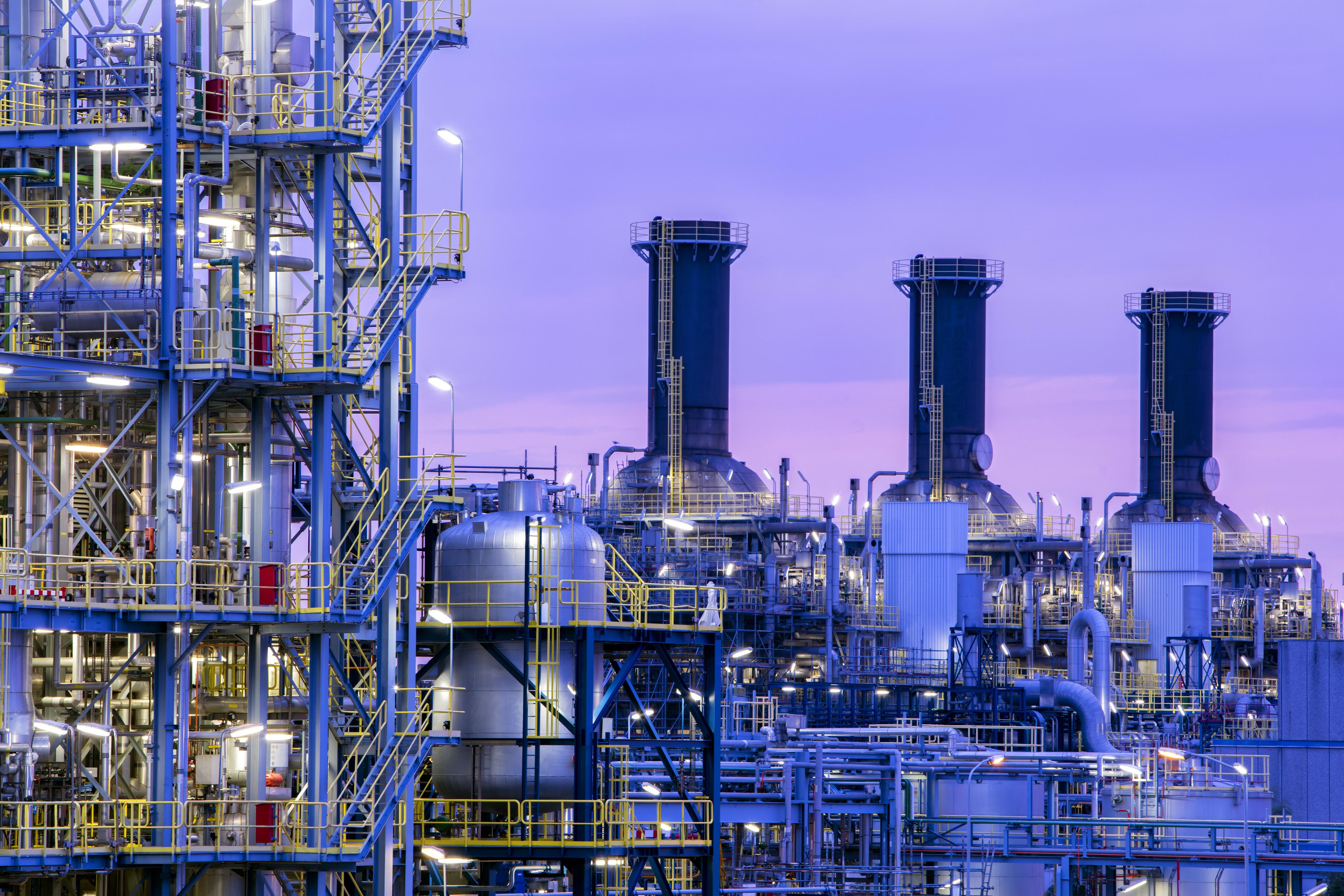 Incertidumbres del Precio del Crudo: Panorama Mundial Resumido del Petróleo 2011 al 2021